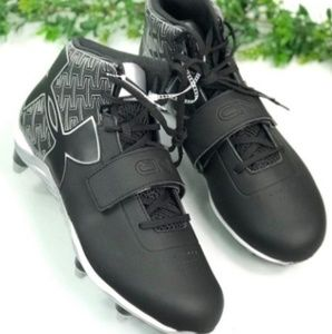 NEW Size 12 under armour baseball cleats
